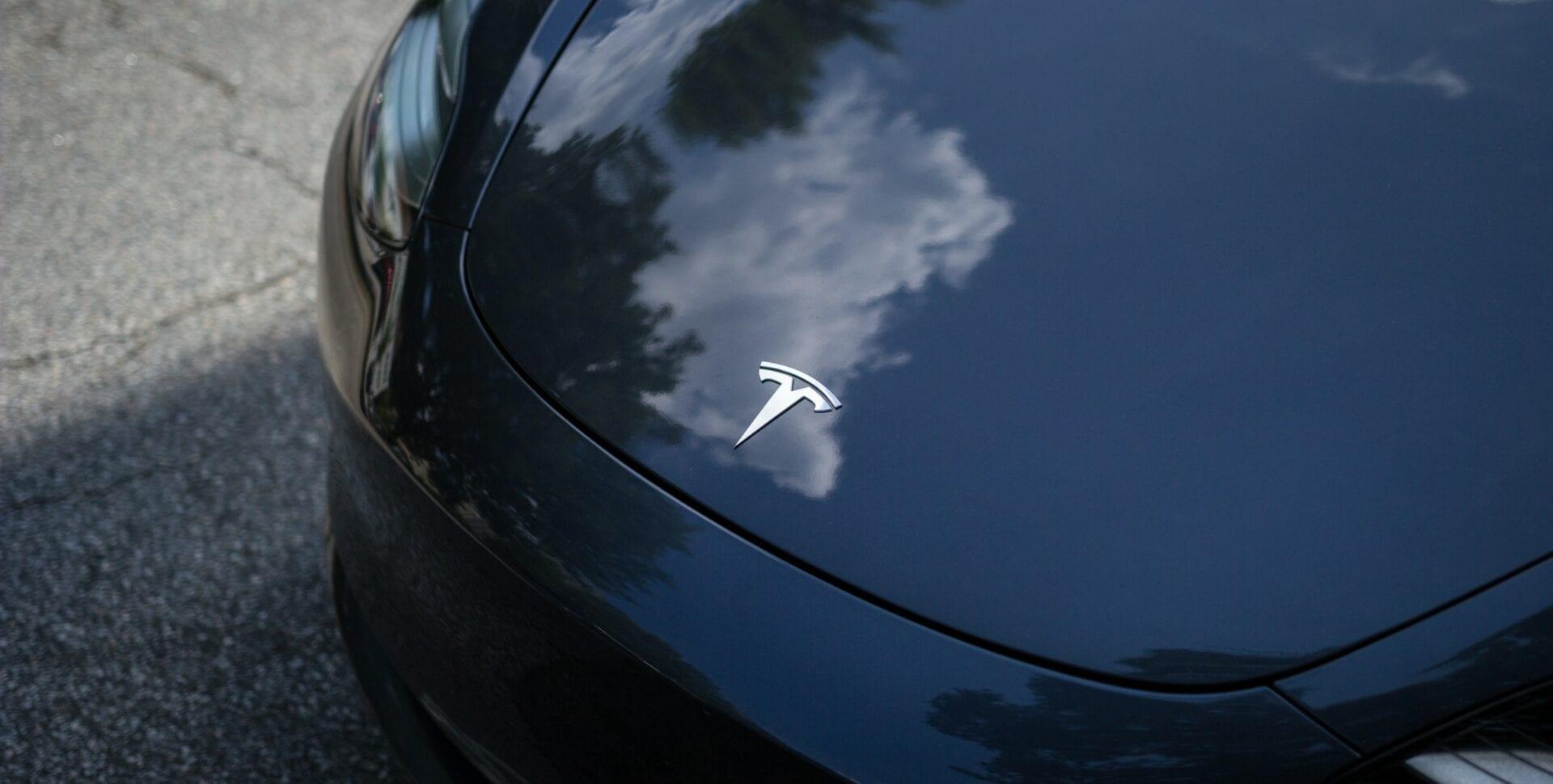 Tesla precio auto