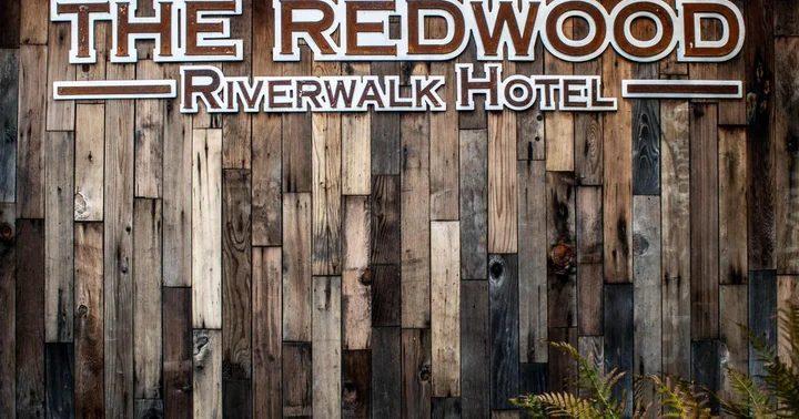 Redwood Riverwalk Hotel delivery marihuana